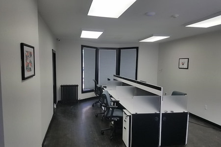 The Suite Corner - Dedicated Desk 4