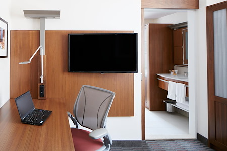 Club Quarters Hotel, Grand Central NYC - Private Office/Suite