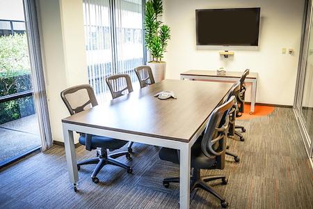 (GT1) Gateway Plaza - Window Office