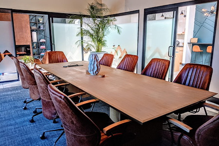TrueWork - True North Meeting Room