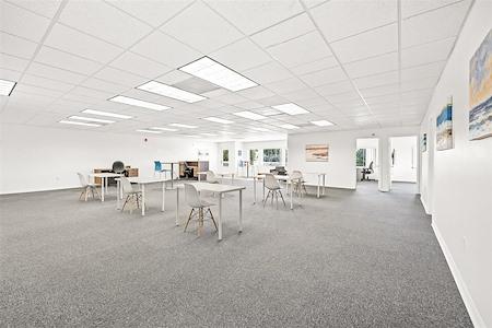 Coastal Collaborative - Open Desk