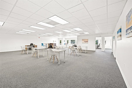 Coastal Collaborative - Desk 5
