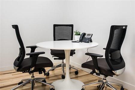 iQ Offices | 140 Yonge Street - Break-Out Room