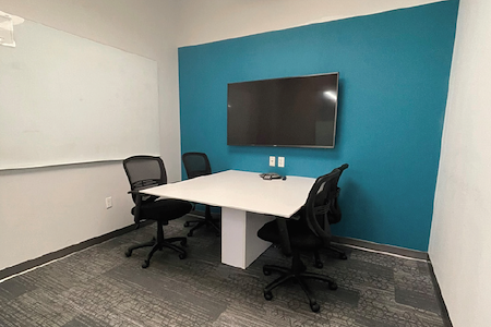 Workspace at Reston Town Center - Tall Oaks Meeting Room