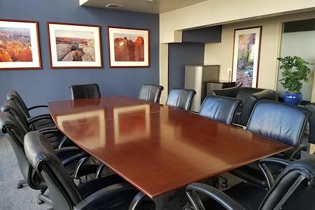 Azcap Corporate Suites - Beautiful Conference Room