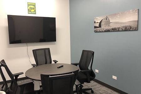 BarnWorx Coworking - Deere Huddle Room