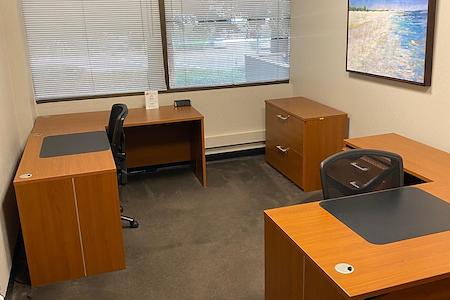580 Executive Center - Suite 102