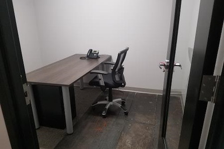Domi|RE Suites - Lafayette - Office 4