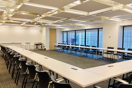 BeOffice | URBAN WORKSPACES - Large Conference Room on Michigan Avenue