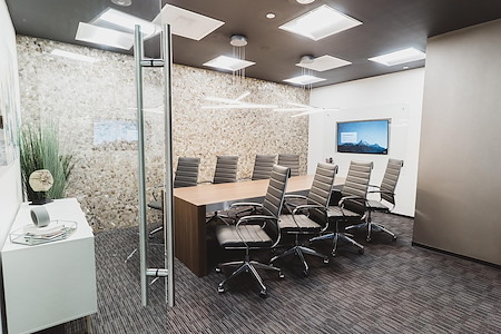 WorkSuites   Uptown Cole Ave - ExecutiveSuite - Window or Interior