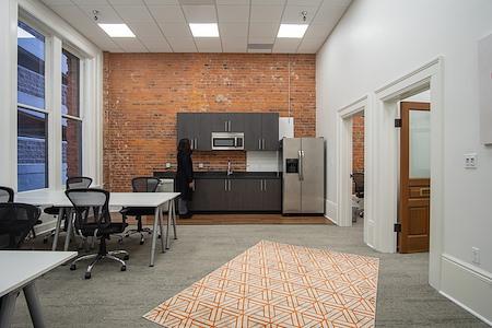 Expansive - Pioneer Building - 20-Person Suite