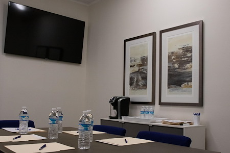 Wall Street Mailboxes - Meeting Room 1