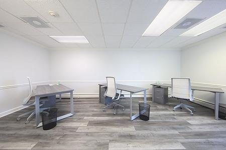 222 Wisconsin, LLC - CoWorking Desk #1