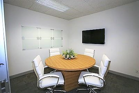 Riverside Central Business Center - 4th FL Small Meeting Room