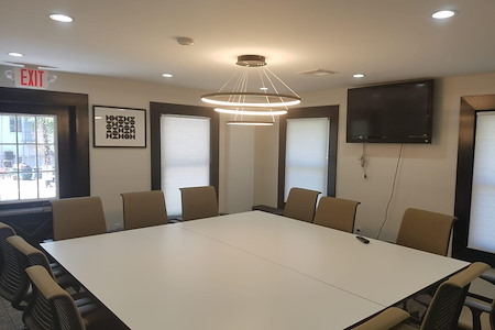 The Suite Corner - Conference Room