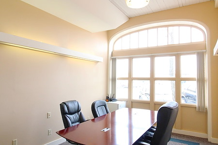 FOCUS Coworking - Charles Stoppenbach Room