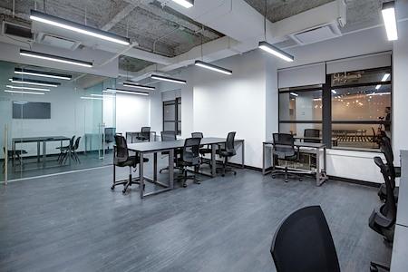 Bond Collective at 60 Broad Street - Suite 2510B [8+ desks]