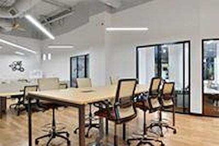 Venture X | Dallas by the Galleria - Shared Desk