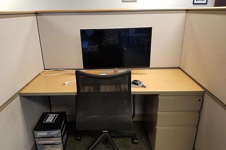 InSpark Coworking - Dedicated Desk 1