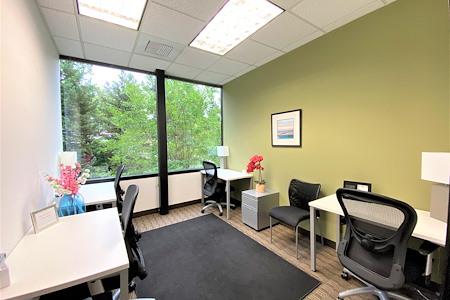 Regus Fountain Grove Center 3111 - Co-work 203 Window