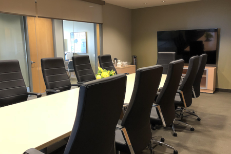 Intelligent Office First Canadian Place - Executive Boardroom