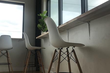 Ink & Co - Floating Desk