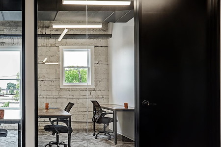 Washington Office Co. - Exterior Suite, Window