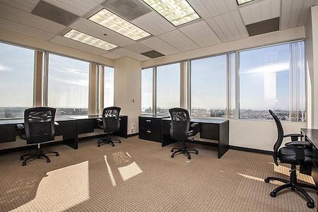 (ELS) El Segundo - Window Office