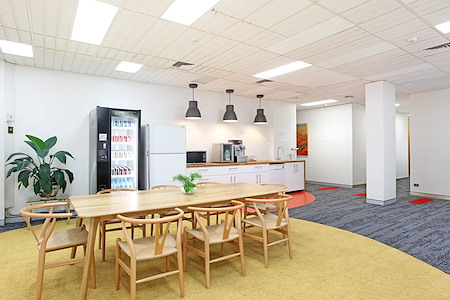 workspace365 - Edgecliff Centre - External office 560