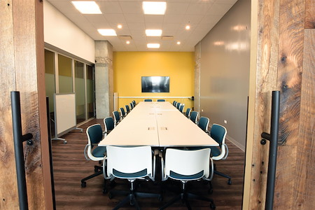 25N Coworking - Arlington Heights - Board Room Project Room
