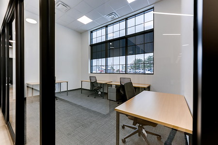 Venture X Oakville - South Oak Junction - Suite 106