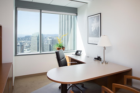 (OSS) One Sansome - Premium Executive Window Office