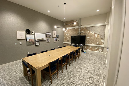 Common Desk - Littlefield - Conference Room Rental - Willie Nelson