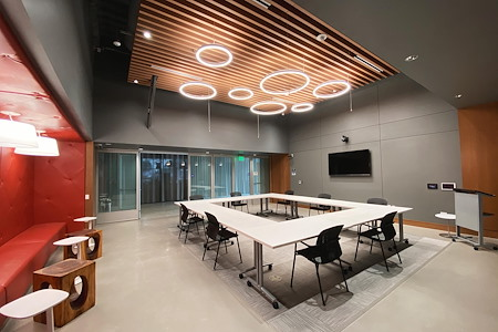 655 West Broadway - iQ Smart Center (Tesla Room)