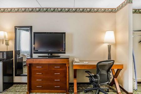 Quality Inn & Suites - Office 1