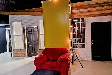 Zaahi Studios.Facilities - Creative Space 9