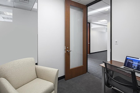 Boston Offices - One Boston Place - Private Office 2662