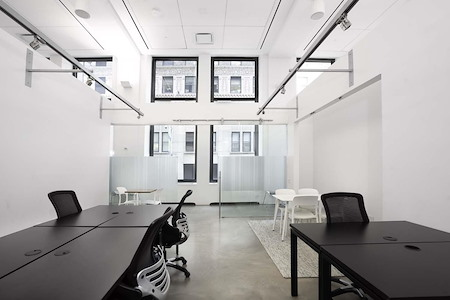 Space 530 – NYC Midtown - Window Private Office for 10