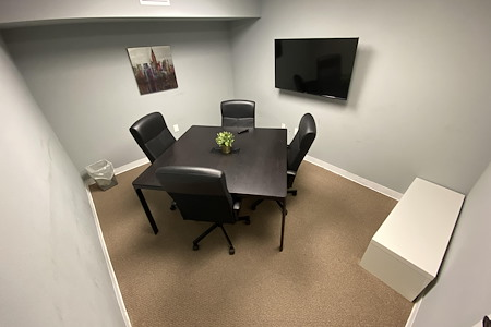 Easy Work Space (Saturn) - Conference Room #26