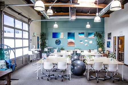 Hera Hub Carlsbad - Silver Open Desk - up to 32 hrs/mo, 24/7