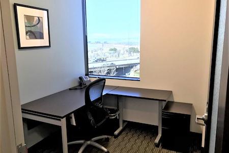 Regus | South Vaughn Way - Office 522