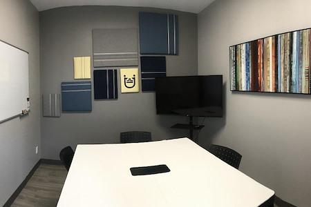 Collabüro - Small Meeting Room