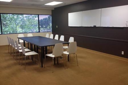 La Mirada Executive Suites - 3rd Floor Meeting Room