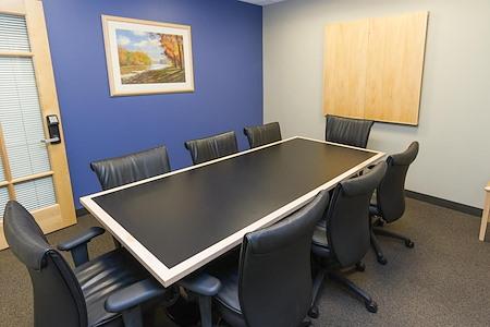 Intelligent Office - Boston - Medium Conf Room 3