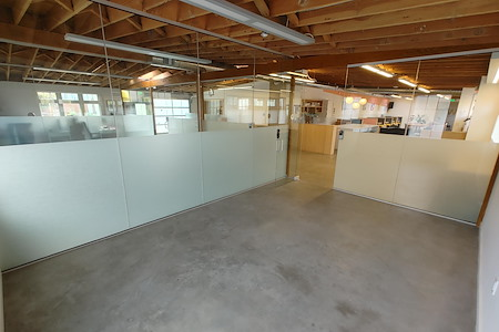 Workstation West Berkeley - Modern Glass Private Office