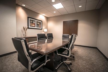 IDS Executive Suites - Superior - Large
