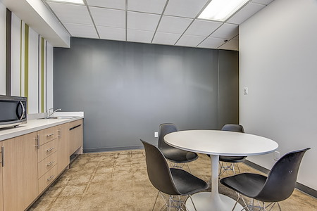 Boxer - Lyndon Office Plaza - Suite E151