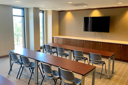 Peachtree Offices at West Paces Ferry, LLC. - Spacious Window Team Office