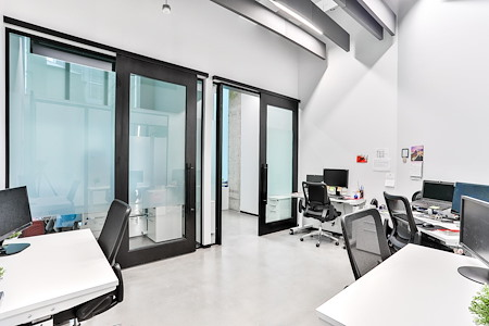 iQ Offices | 150 King Street West - Office Suite for 6