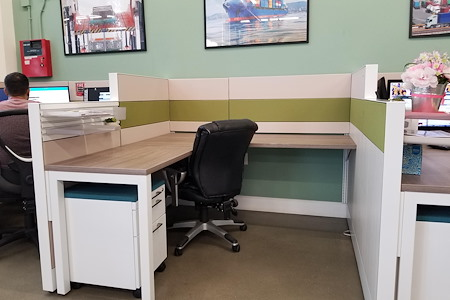 Alfi Trade Inc. - Well-lit open work space (desk 4)